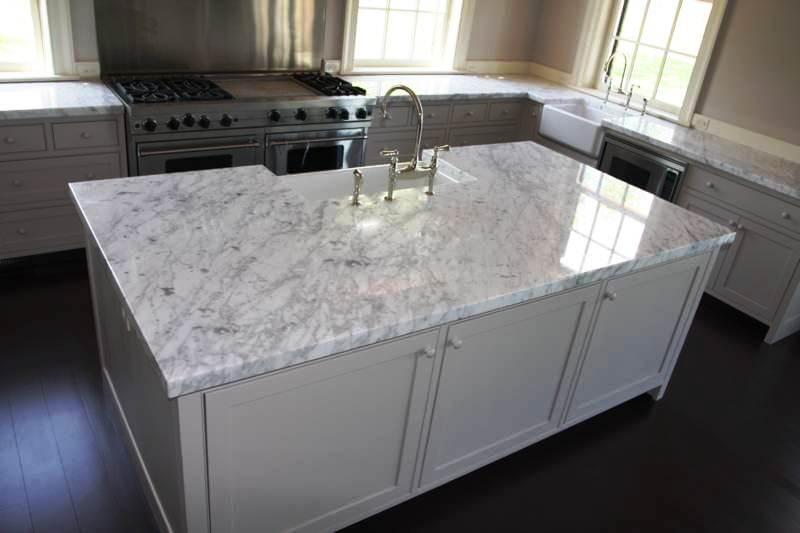 Кухонная столешница под мрамор